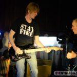 Paul Neumann an der Gitarre sorgt für den richtigen Sound